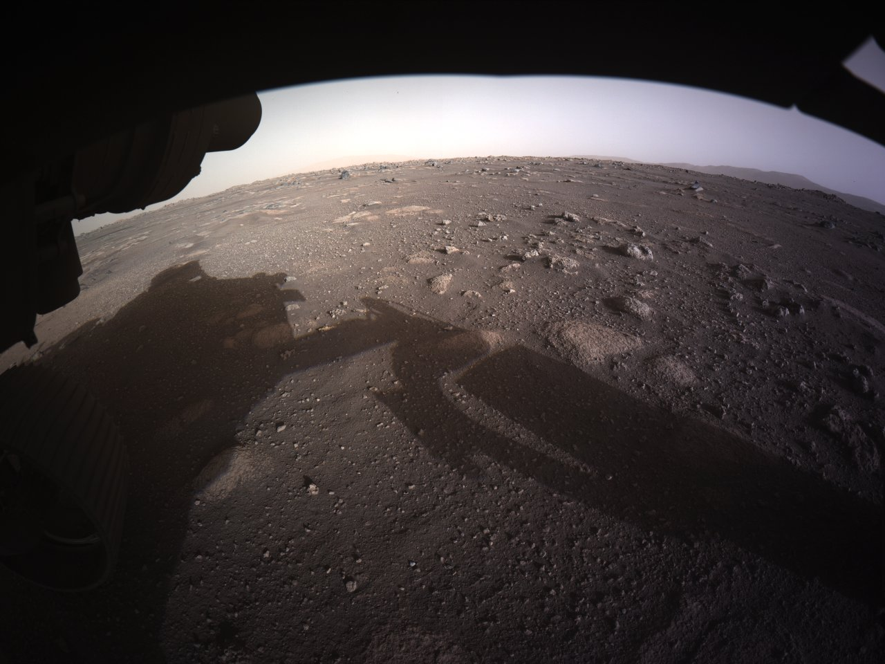Снимки дня. Цветные фотографии с Марса от Perseverance
