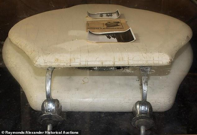 Американский аукцион выставит на торги стульчак Гитлера