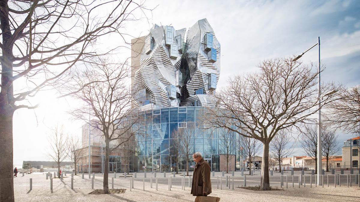 Во Франции появилась башня по мотивам картины Ван Гога «Звездная ночь»