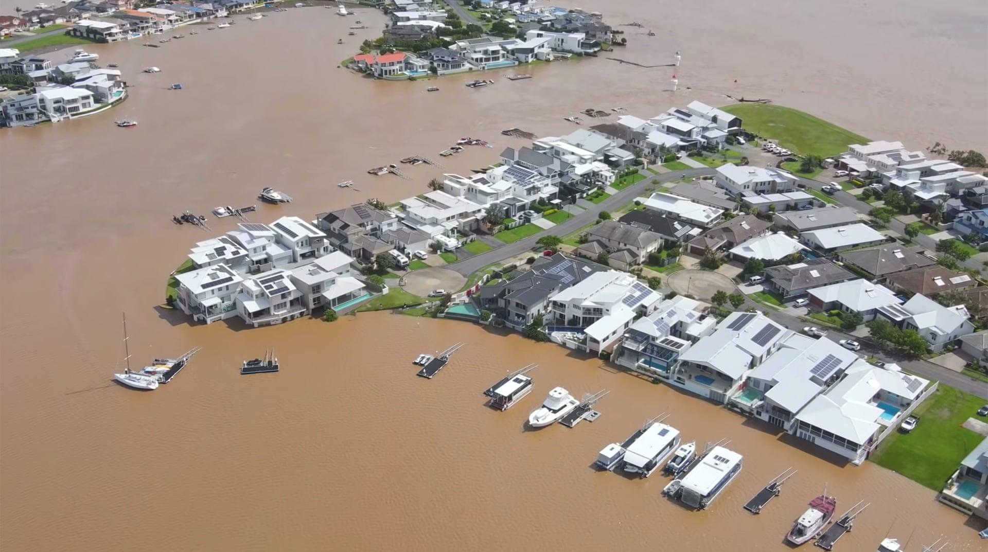 В Австралии произошло сильнейшее за последние 60 лет наводнение. Только фото