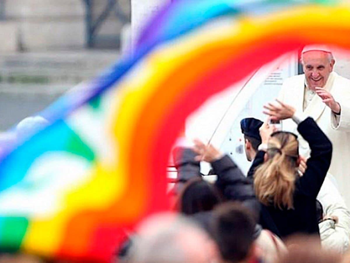 Теологи и католические священники Германии выступили против решения Ватикана не благословлять однополые браки