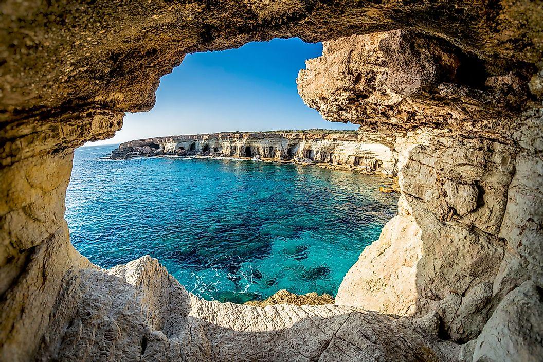 Кипр с 1 апреля открывает границы для туристов из Украины