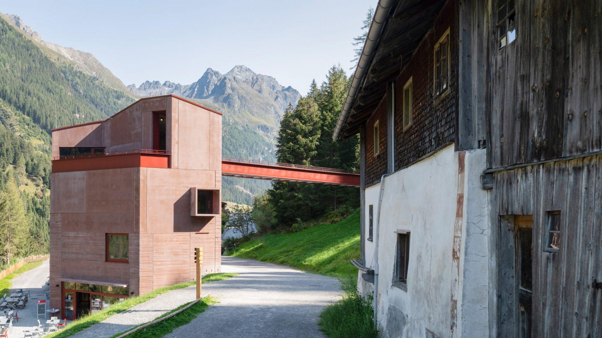 Швейцарские архитекторы построили музей альпийских горных козлов