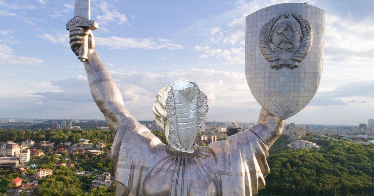 Скульптура без лица на доме Руссова в Одессе. Только мемы