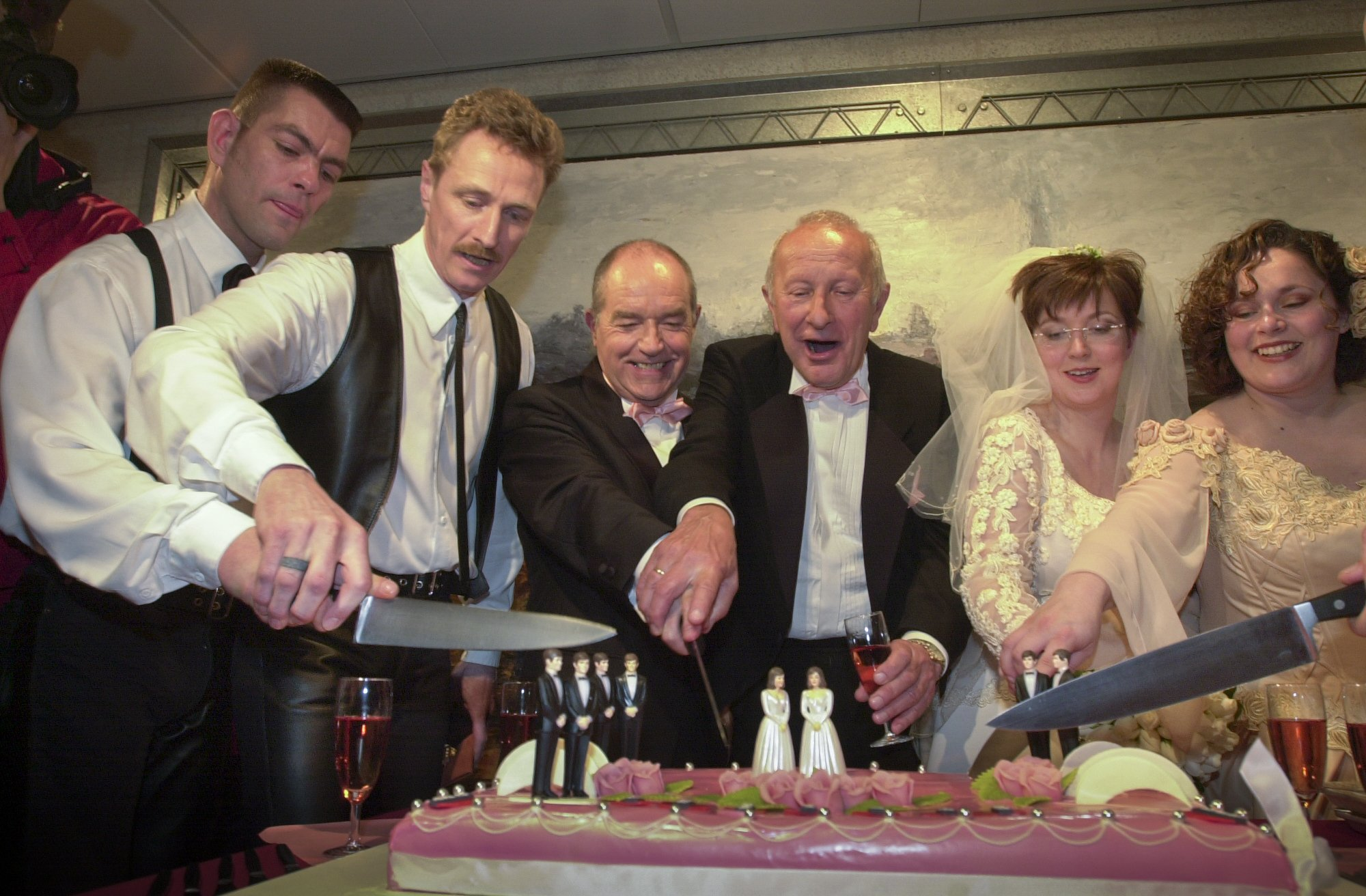 20 лет назад Голландия зарегистрировала первый в мире однополый брак
