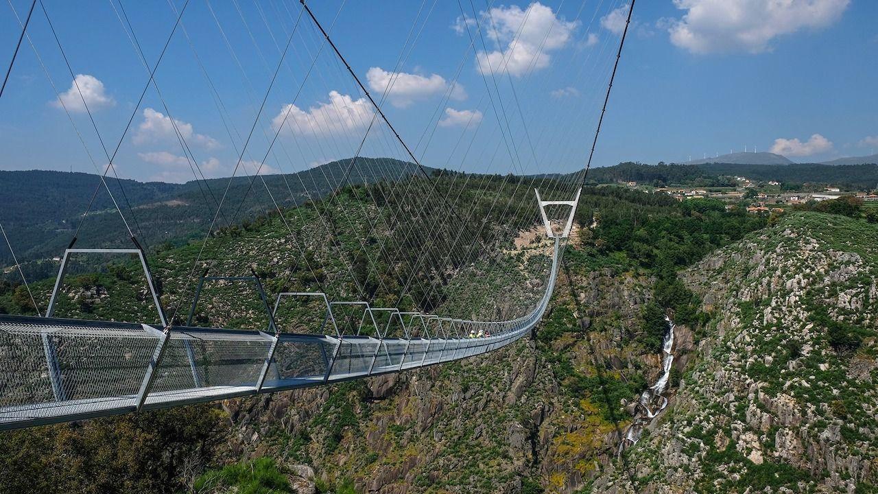 В Португалии открылся самый длинный в мире подвесной мост