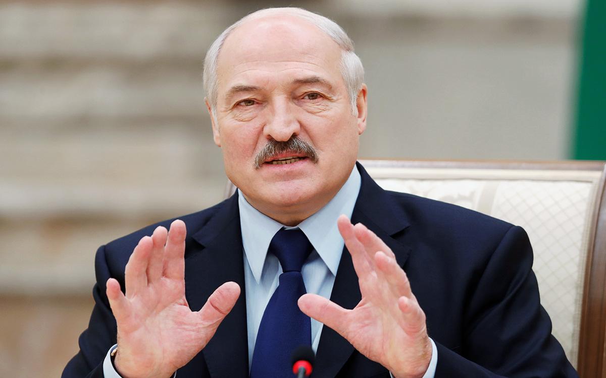 Лукашенко собирается изымать валюту в Беларуси. Он уже подписал указ