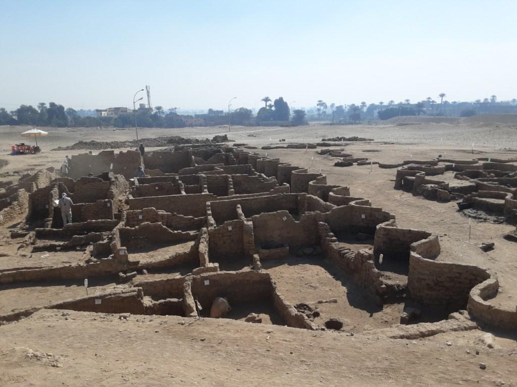 В Египте найден затерянный «золотой город» — самый большой из обнаруженных археологами