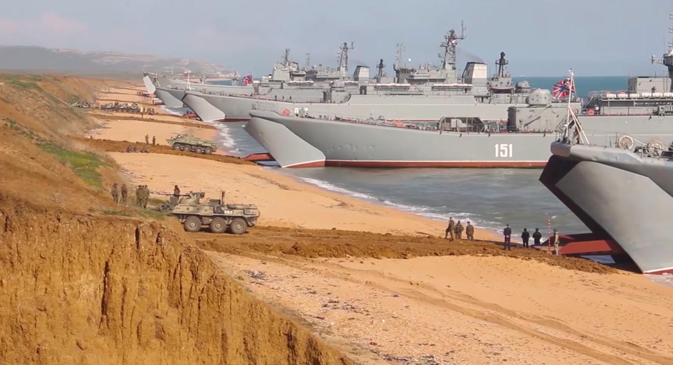 Россия начала отвод войск после учений в оккупированном Крыму