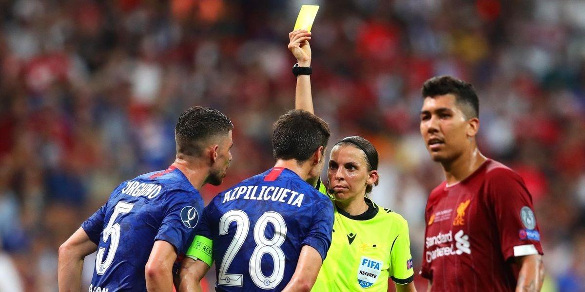 Женщина-арбитр впервые в истории будет судить чемпионат Европы по футболу среди мужских сборных