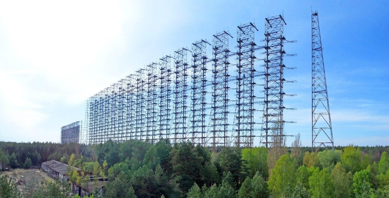 Панорама комплекса приемных антенн станции «Дуга». Фото — Wikipedia.