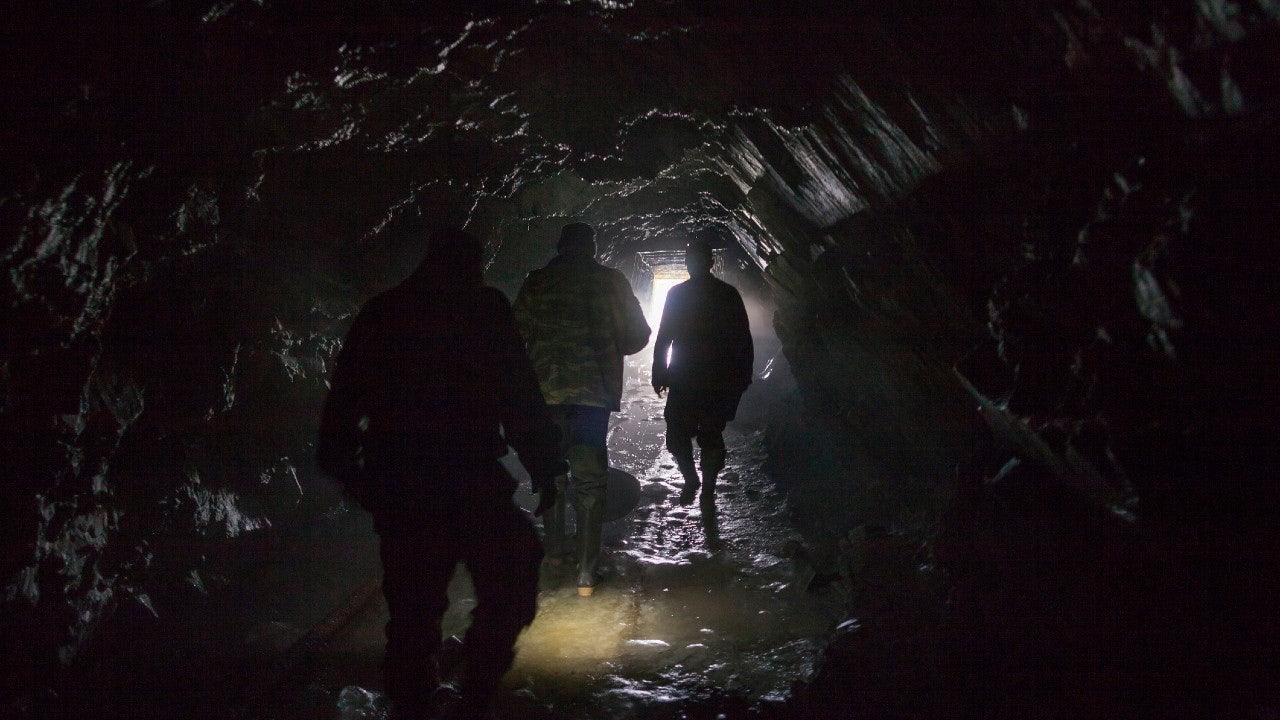 Во Франции 15 человек жили в пещере 40 дней ради эксперимента