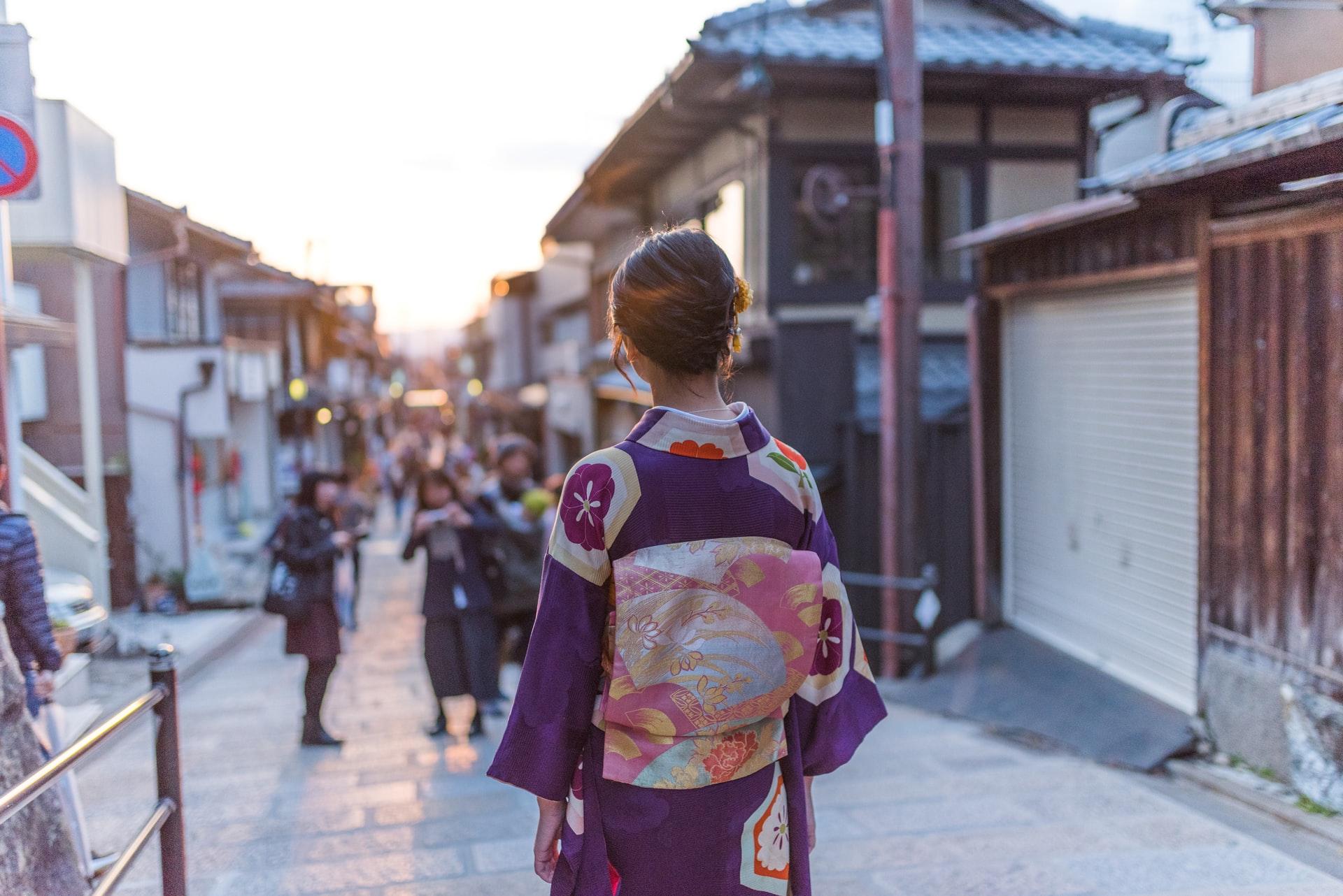 Японец заводил отношения с девушками ради подарков на день рождения. Его обвиняют в мошенничестве