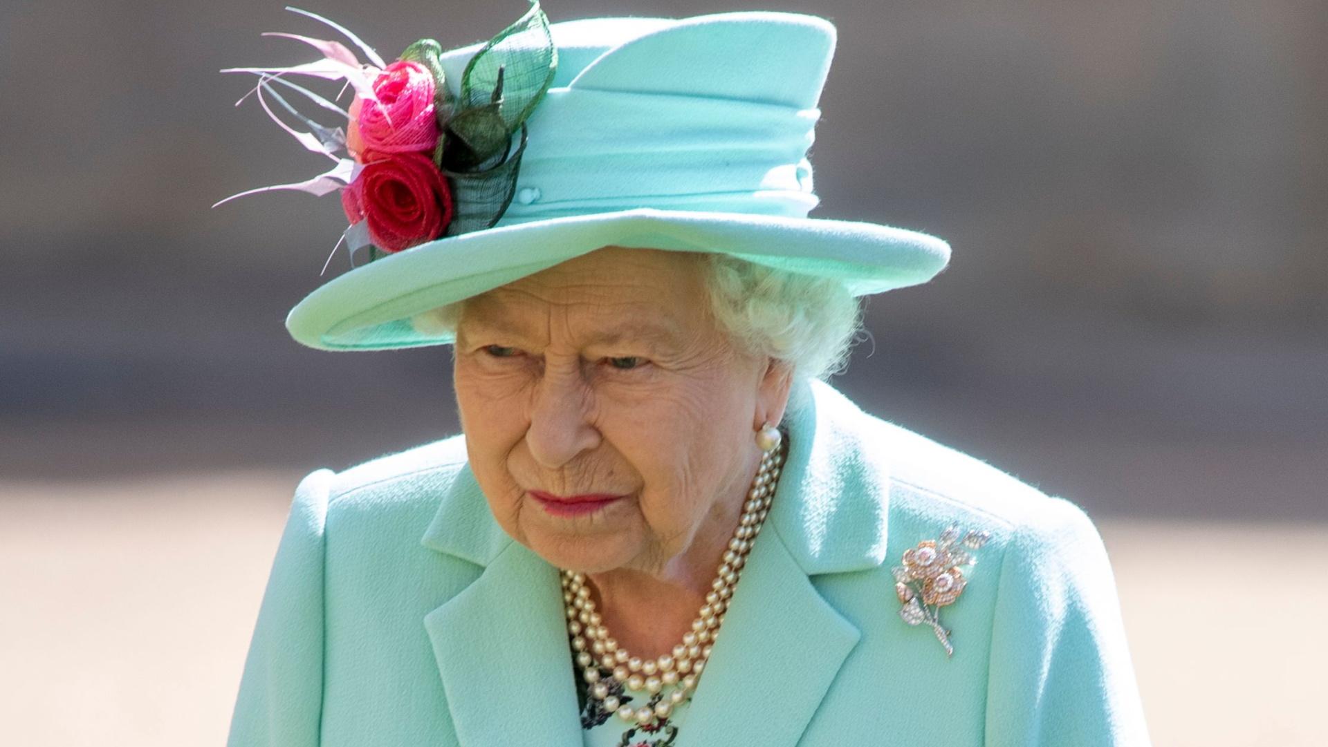 Елизавета II наградила производителя секс-игрушек