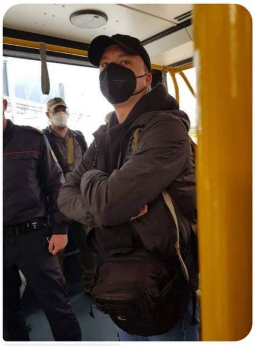 Роман Протасевич в аэропорту Минска. Фото – NEXTA.