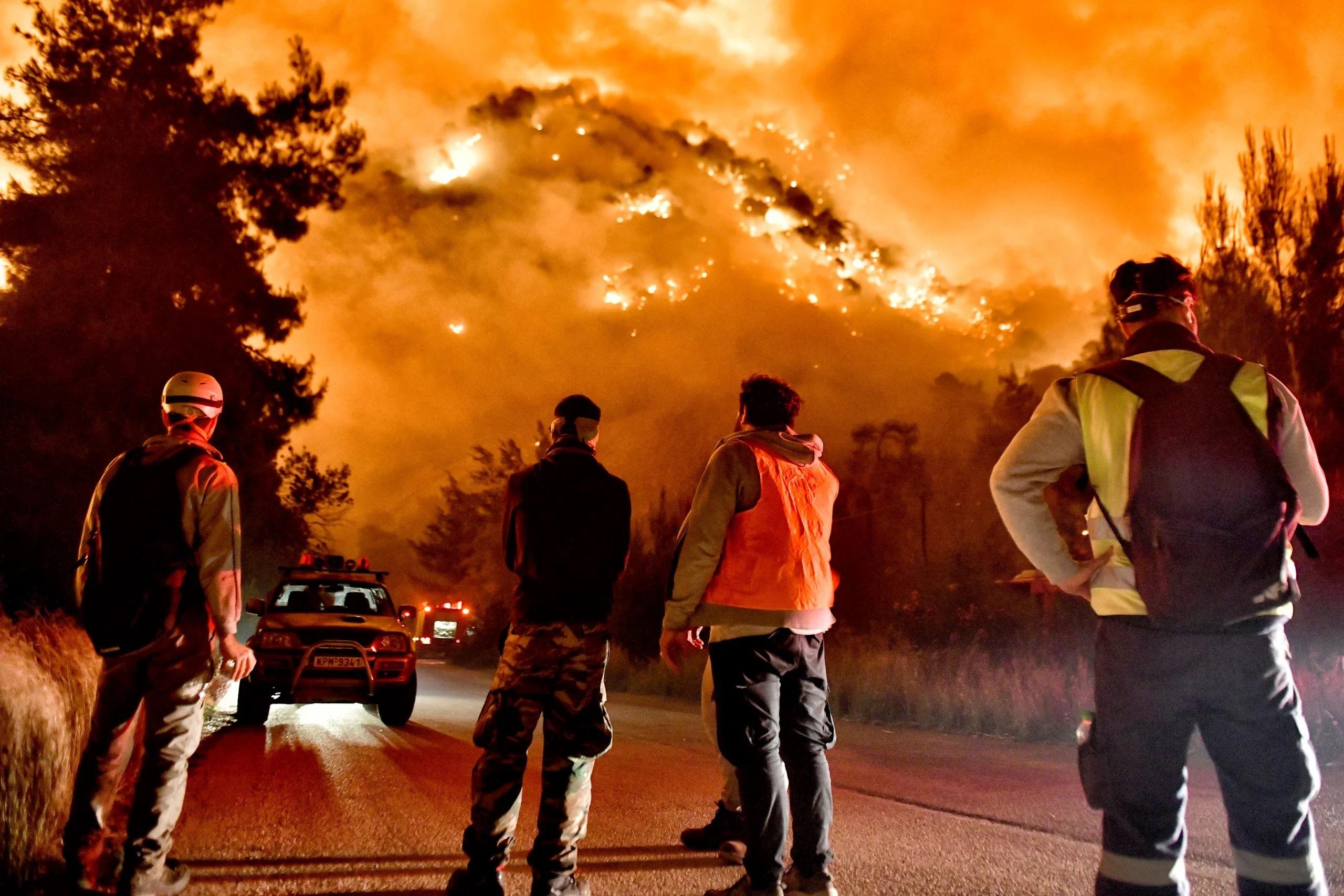 В Греции бушуют лесные пожары. Началась эвакуация населения