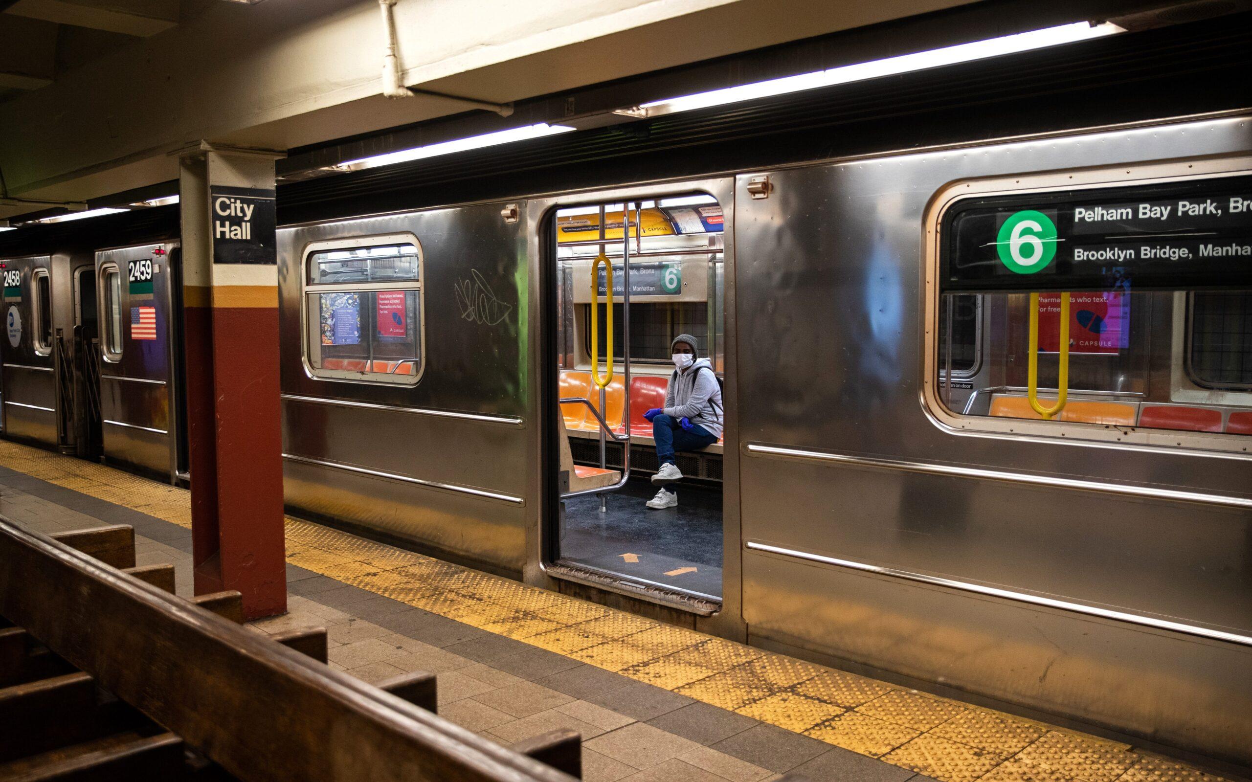 В Нью-Йорке в метро открываются пункты вакцинации