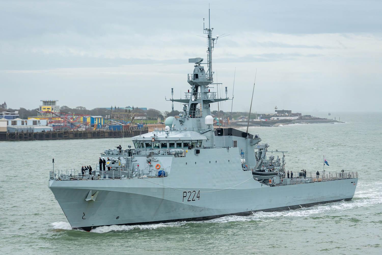В одесский порт идет британский патрульный корабль
