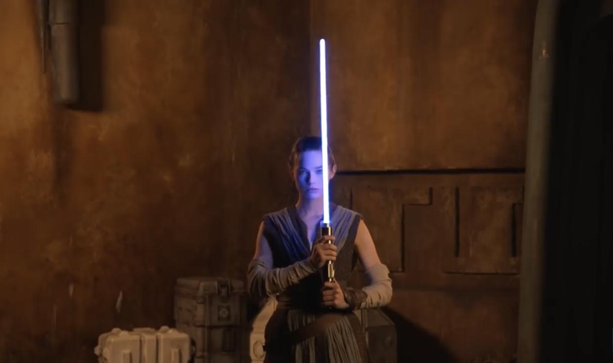 Disney воссоздала световой меч из «Звездных войн»
