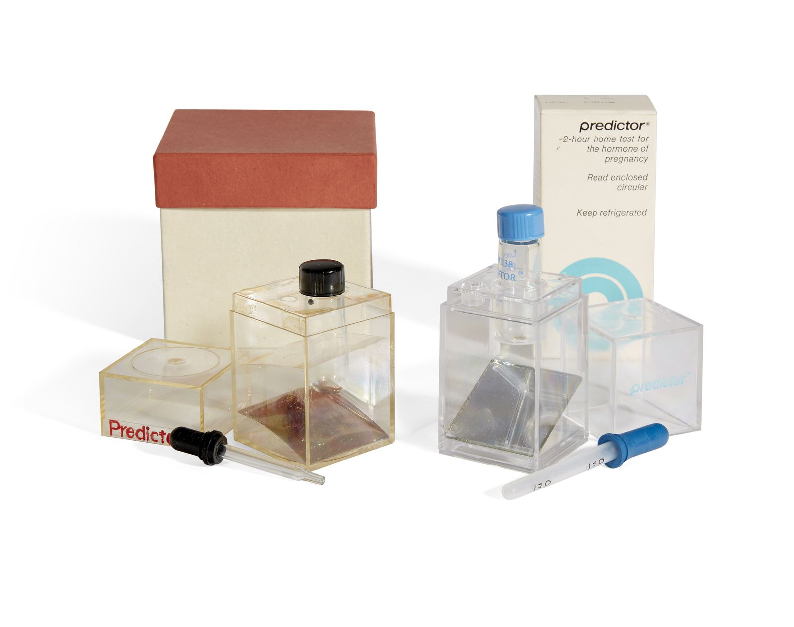 Прототип теста на беременность Predictor и тест, который вышел на рынок в конце 1970-х годов. Фото — Modernfertility.com
