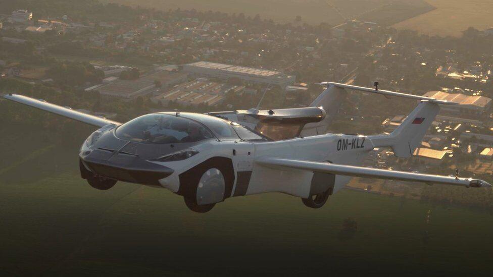 Летающий автомобиль AirCar совершил первый междугородный перелет