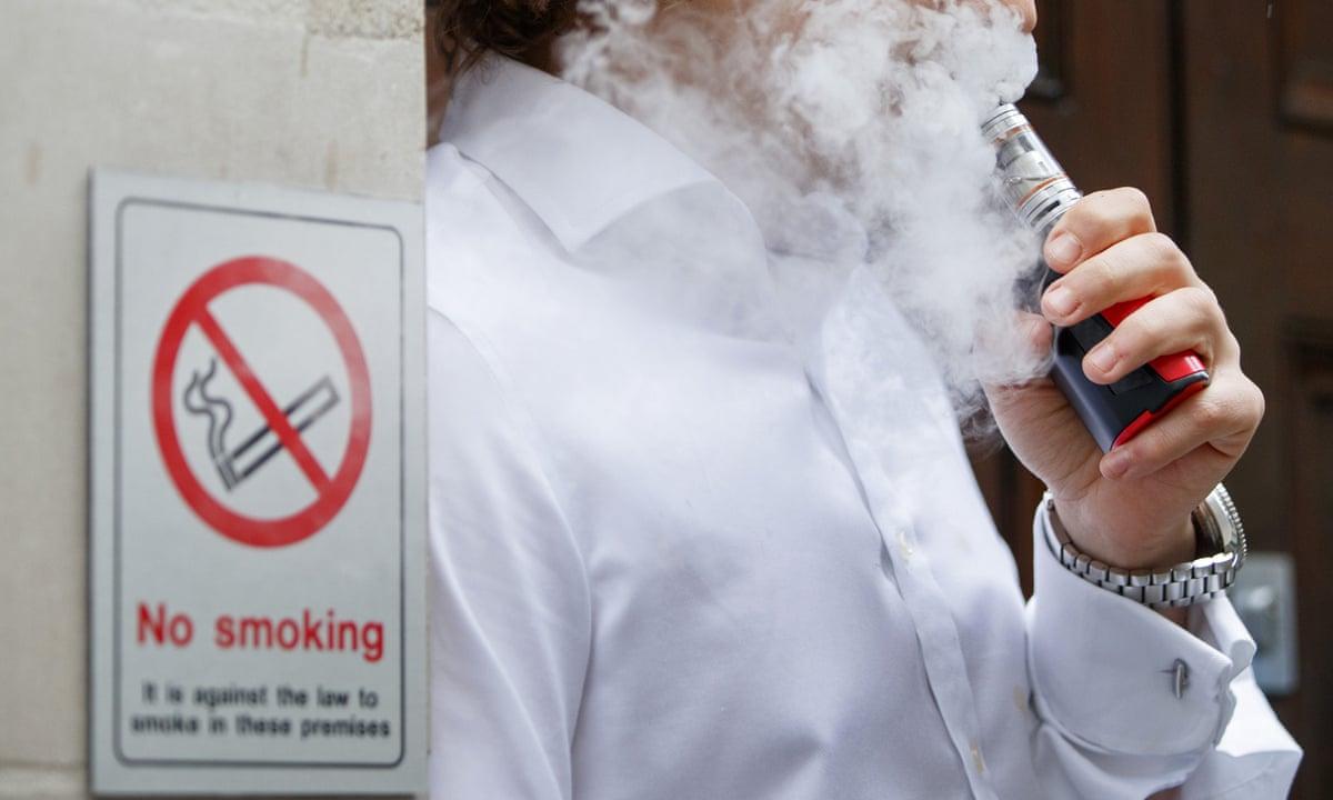 Верховная Рада собирается запретить курение электронных сигарет в общественных местах