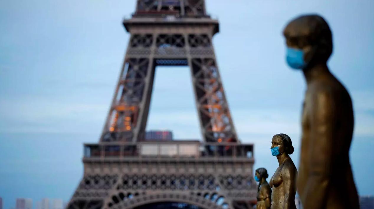 Франция открывает границы для туристов. Что нужно знать