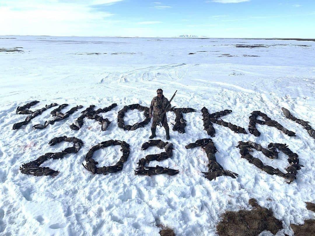 Дичь дня. Депутат из Магадана выложил тушками птиц надпись «Чукотка 2021»
