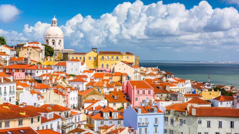 Португалия открывается для всех видов путешествий украинцев — МИД