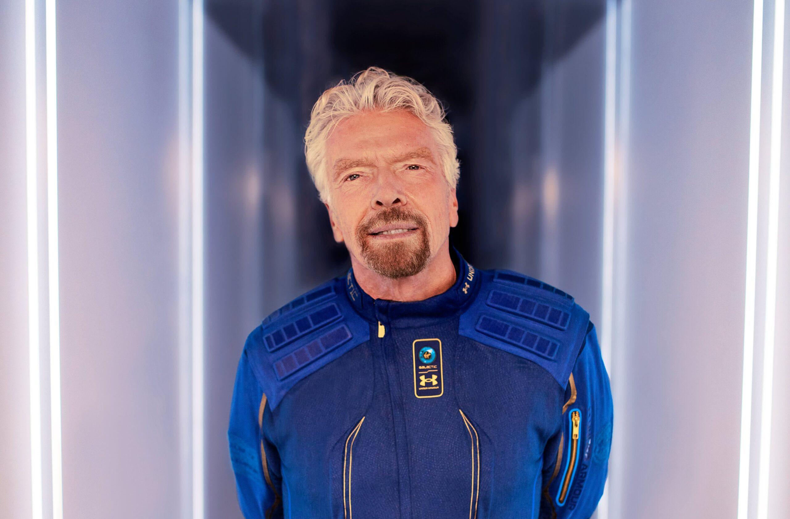 Брэнсон летит в космос 11 июля. На девять дней раньше Безоса