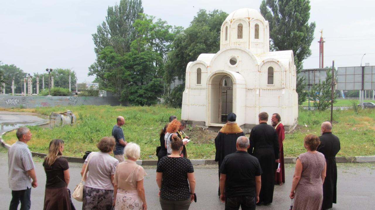 В Херсоне строят храм из пенопласта. Как он выглядит