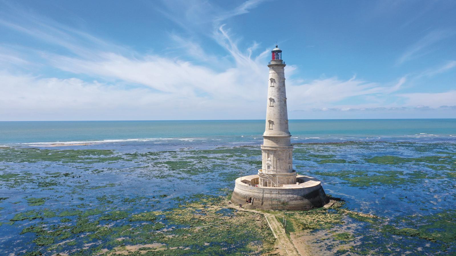 Кордуанский маяк попал в список наследия ЮНЕСКО. Его называют «Версаль моря» — рассказываем, почему