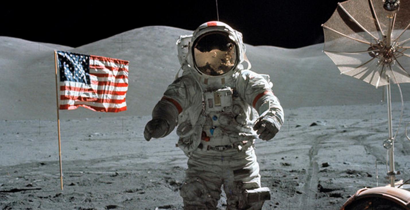 Луна и заговор. Главные теории конспирологов о полетах и лунных базах
