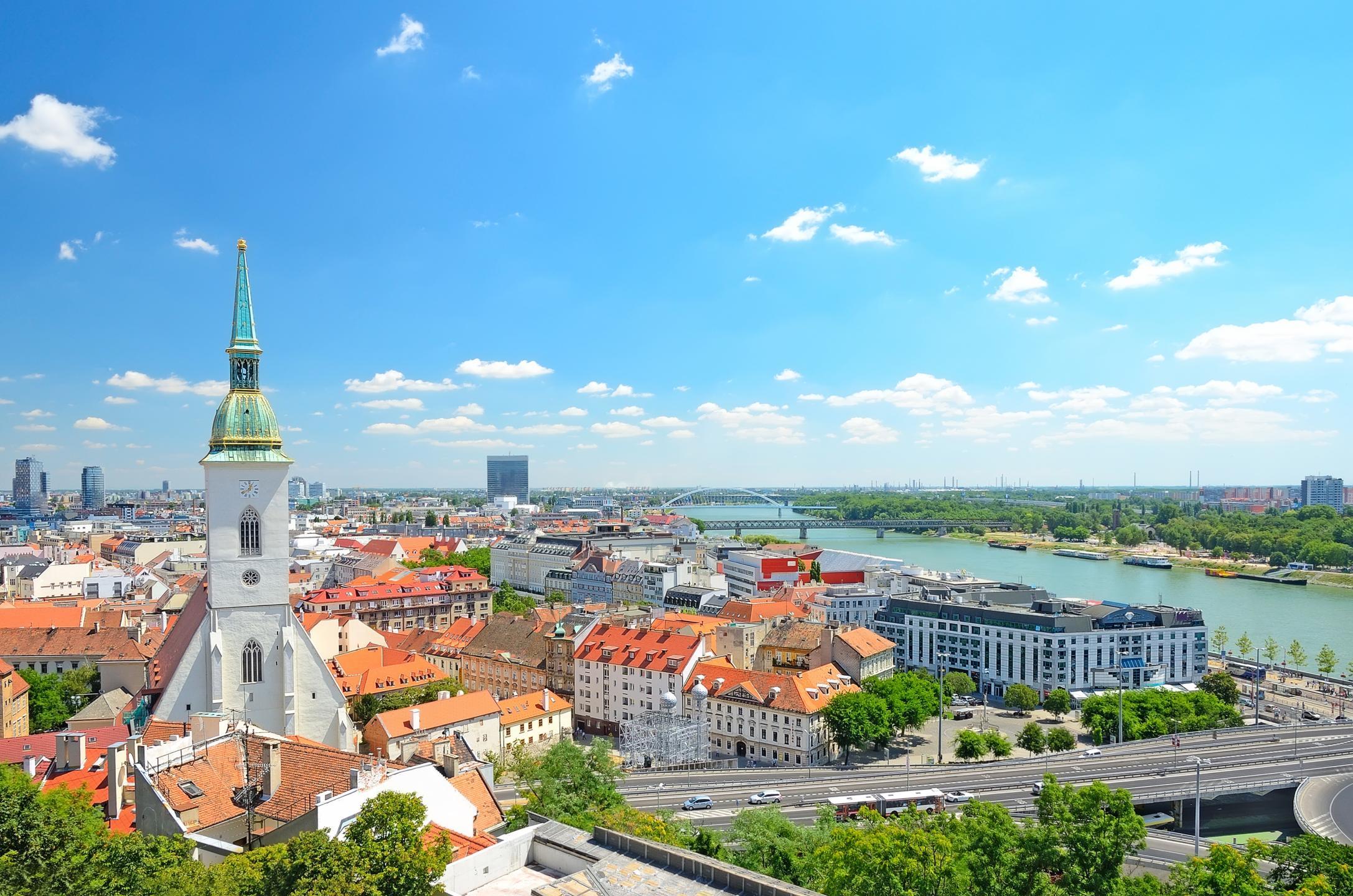 Словакия изменила правила въезда в страну. Что изменилось