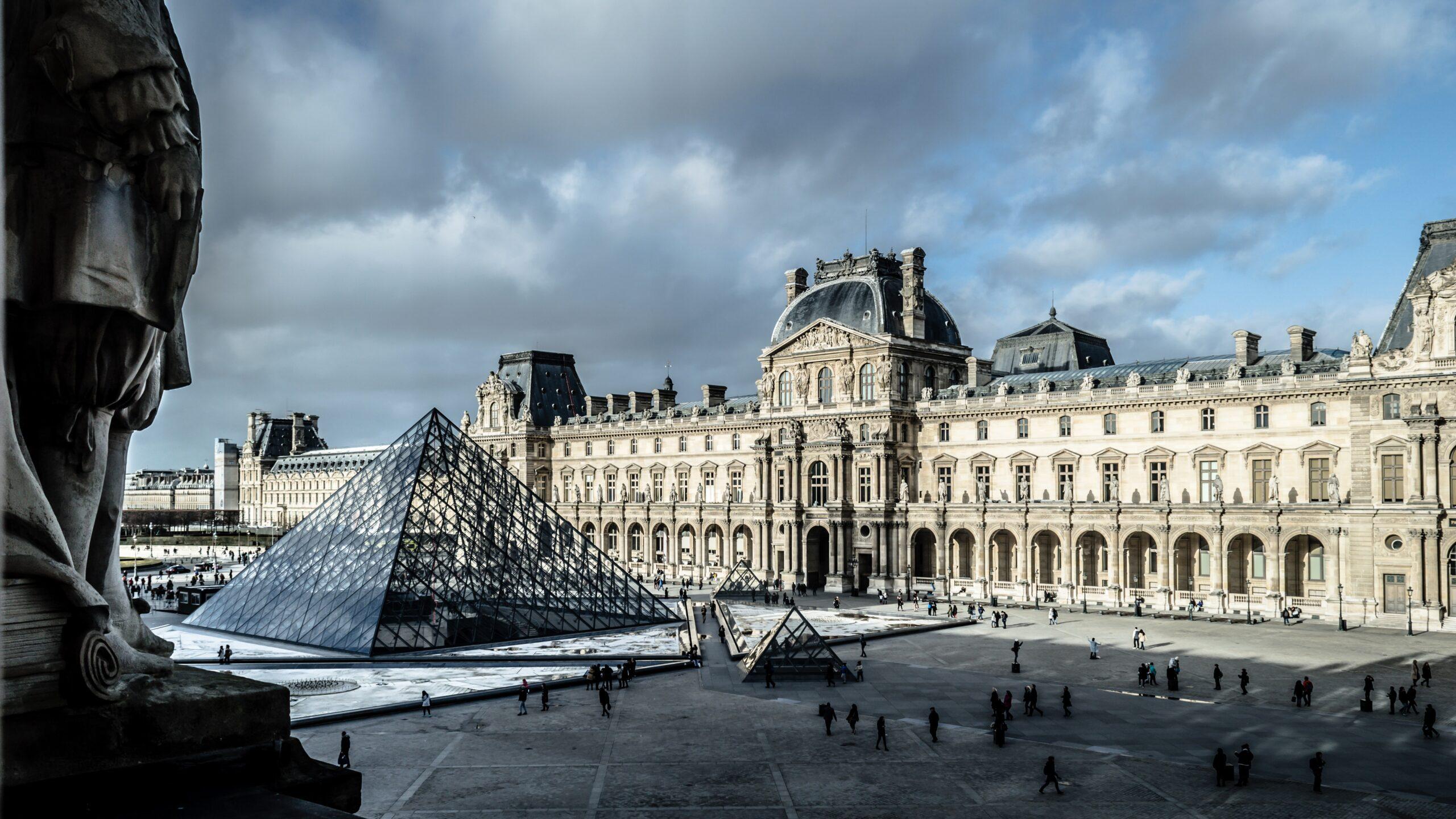 SkyUp начнет летать из Киева в Париж и Ниццу