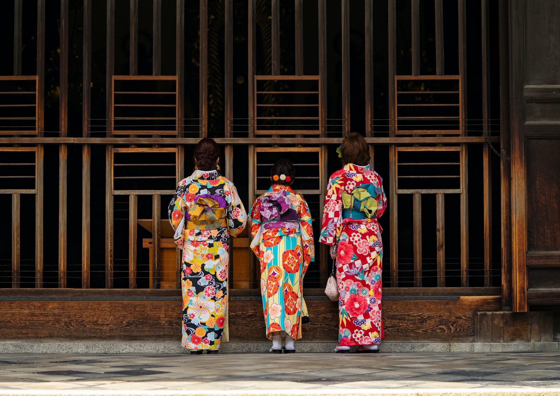 Япония создала 206 дизайнов кимоно в честь каждой страны-участницы Олимпиады в Токио