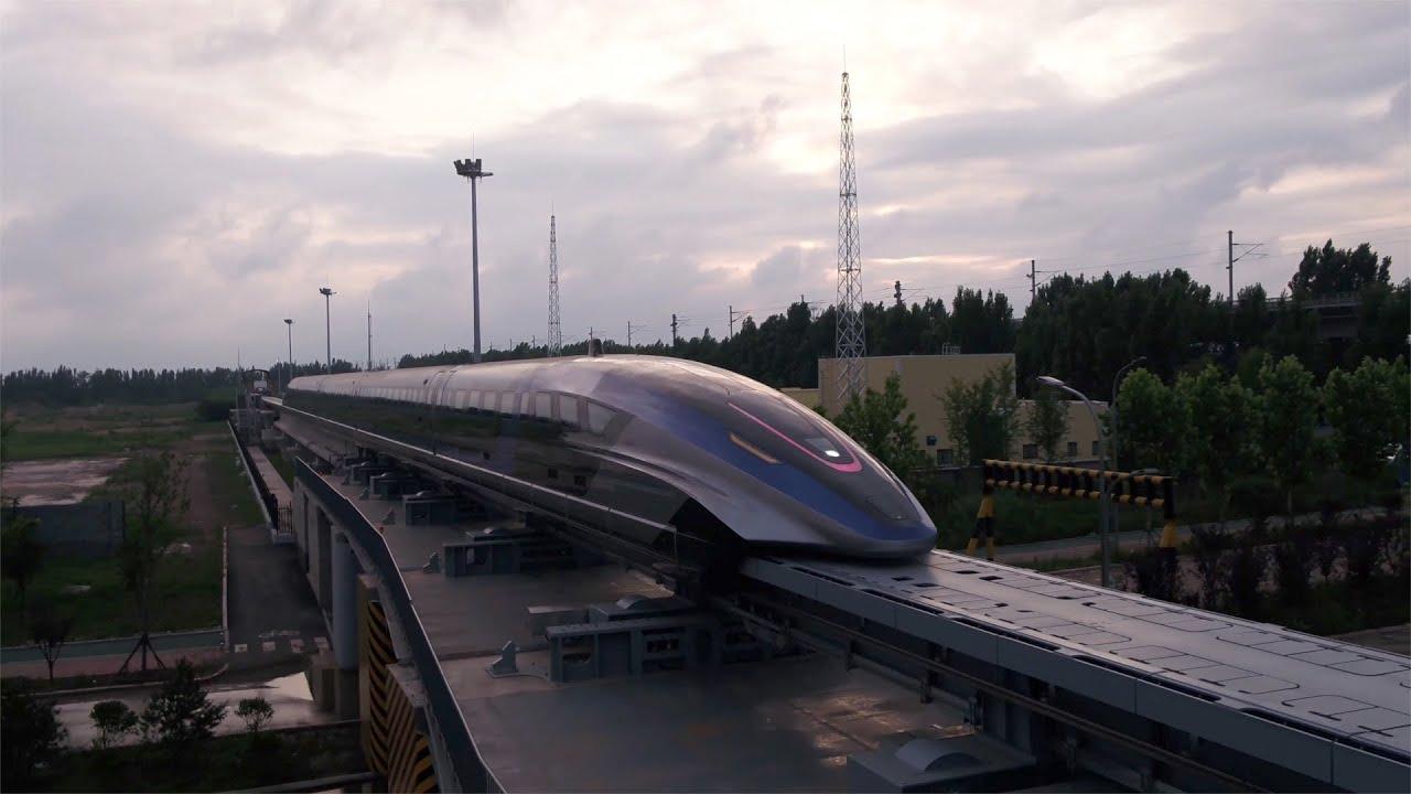 Китай представил самый быстрый поезд на магнитной подушке. Он движется со скоростью 600 км/ч