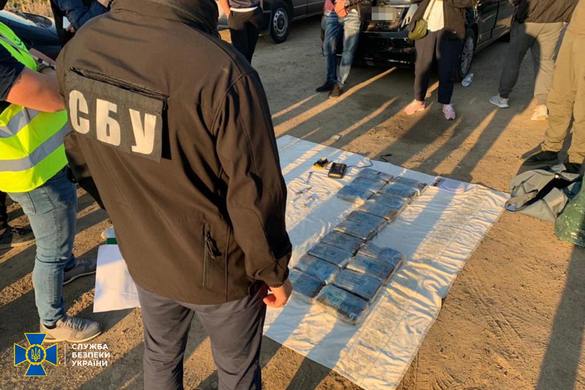 В Одессе СБУ изъяла партию кокаина на $10 миллионов. Контрабандисты — члены итальянской мафии