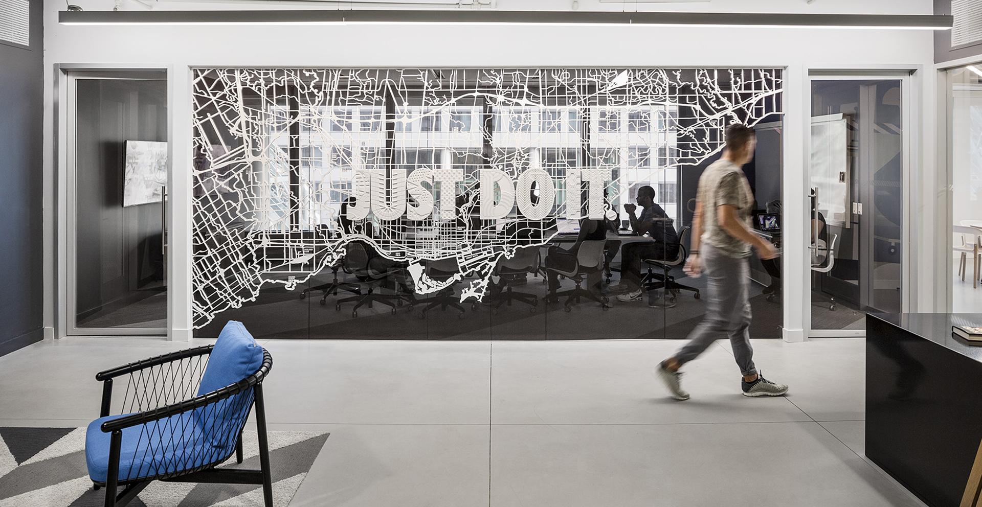 Один из офисов Nike в Канаде. Фото — Jacknife Design.