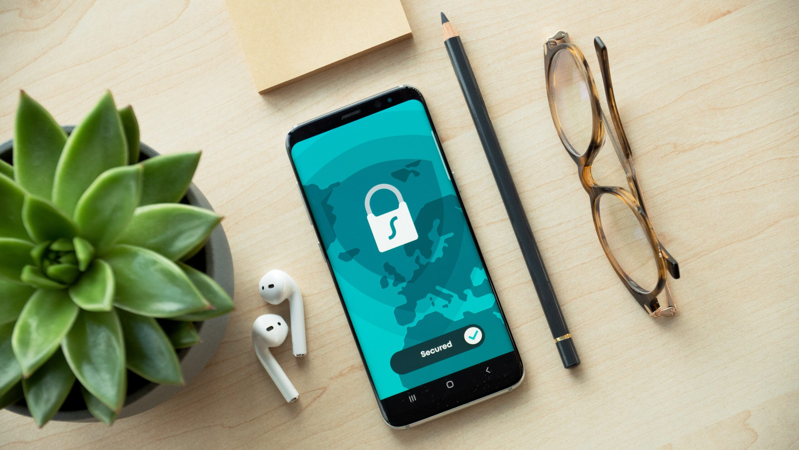 Apple будет удаленно сканировать телефоны на предмет детской порнографии. Пока только в США