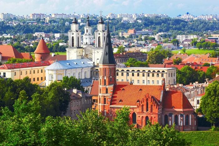 Латвия, Литва и Эстония упростили условия въезда для вакцинированных украинцев. Что изменилось