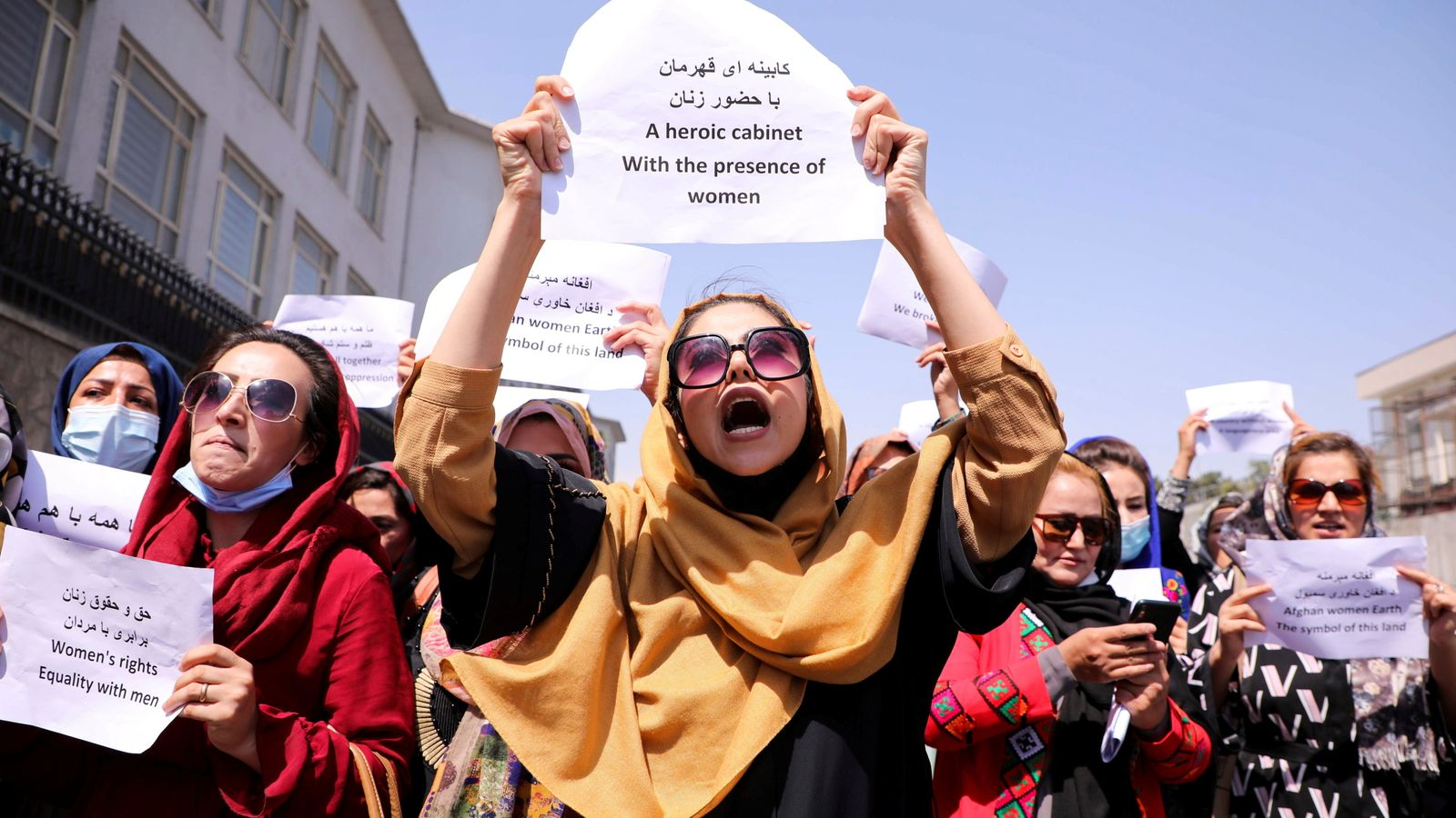 «Талибан» разогнал в Кабуле протестующих женщин