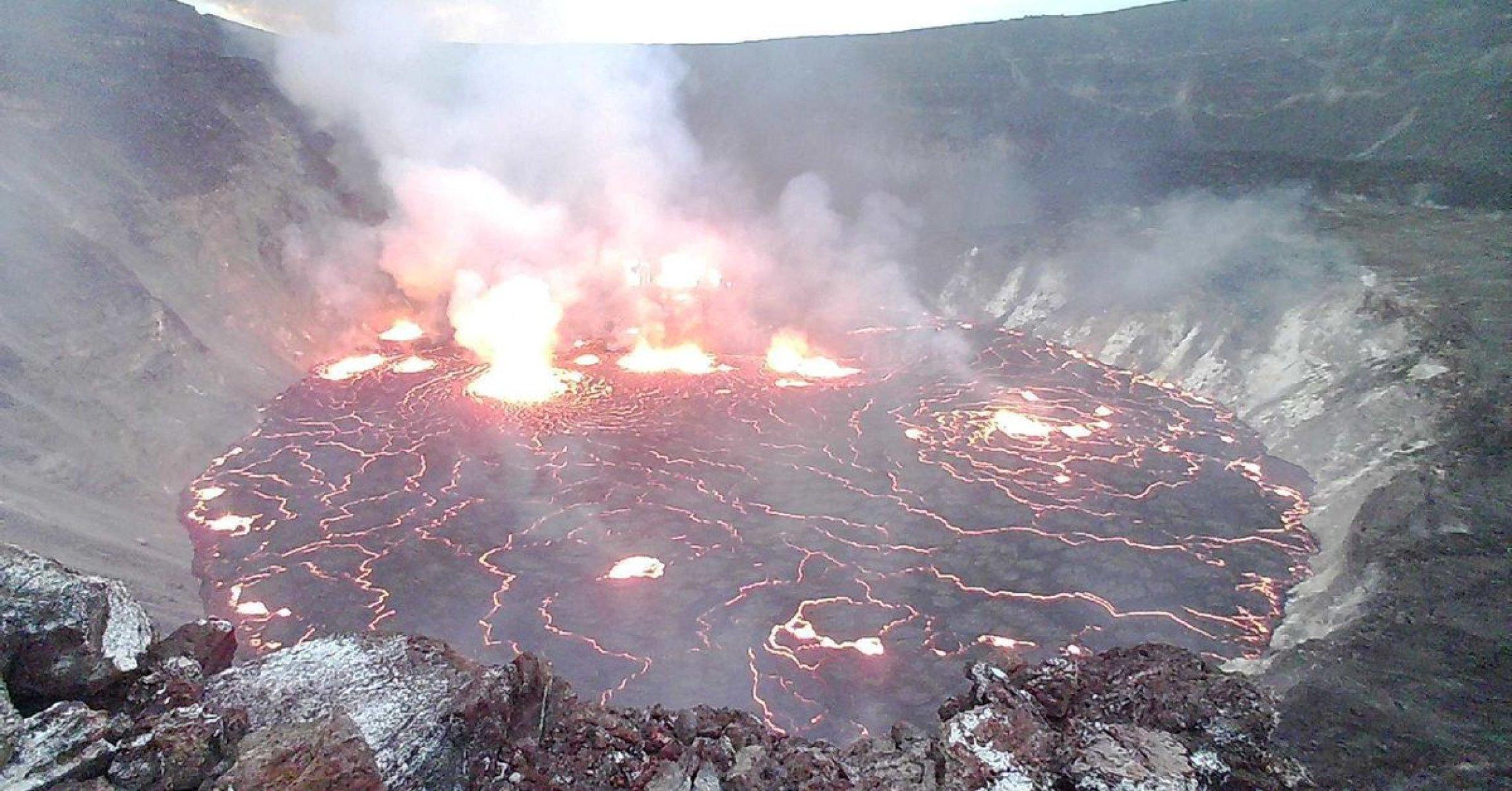 На Гавайях извергается самый активный вулкан в мире. Только фото